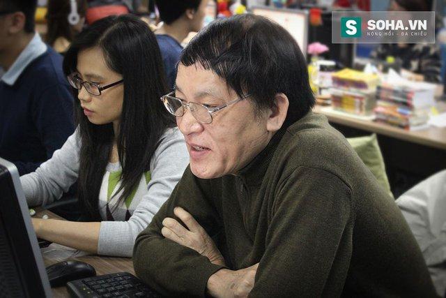 Nhà báo Nguyễn Đăng Phát tham gia tường thuật trực tiếp Thông điệp Liên bang 2015 của Tổng thống Nga Putin. Ảnh: Mạnh Quân