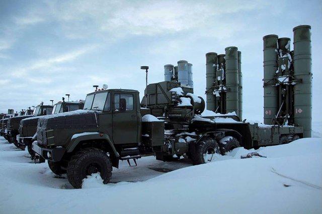 Xe phóng 5P85T sử dụng khung gầm KRAZ-260 6x6 của hệ thống S-300PM.