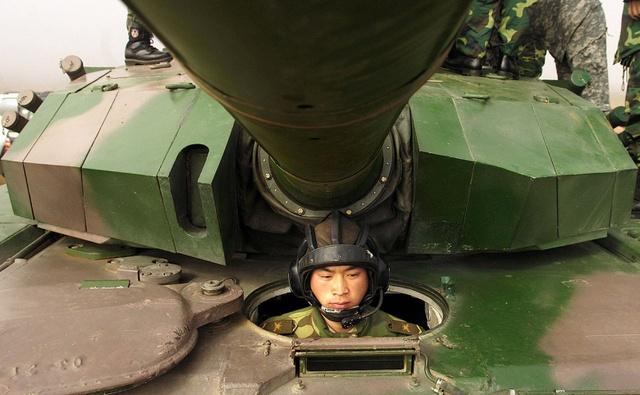 Xe tăng Trung Quốc dù được quảng cáo rất hiện đại nhưng vẫn còn kém xa so với xe tăng Nga và Phương Tây