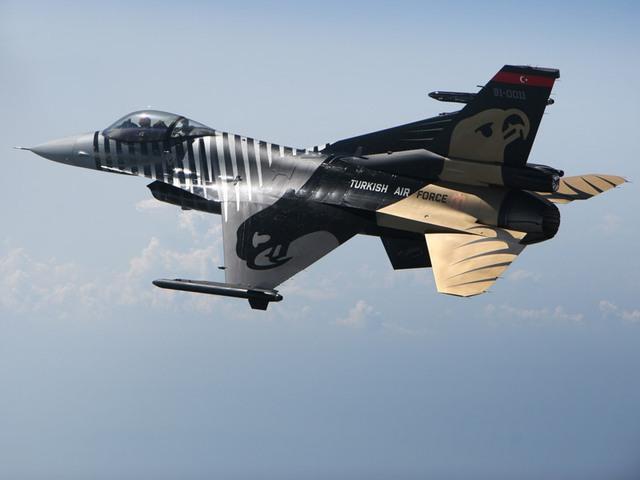 F-16 Thổ Nhĩ Kỳ liệu có cơ hội giành chiến thắng trước Su-30SM?