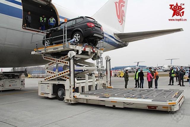 Cùng được đưa tới Belarus với hồng Kỳ L5 còn có mẫu xe SUV ROEWE W5 của Tập đoàn công nghiệp ô tô Thượng Hải.