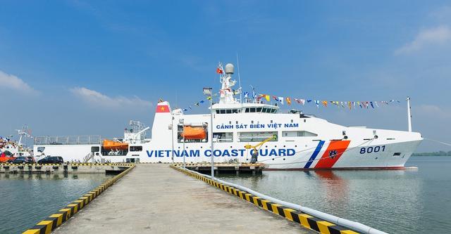 Tàu CSB 8001 do Nhà máy Z189 (Tổng cục Công nghiệp quốc phòng) đóng mới cho Bộ tư lệnh Cảnh sát biển.