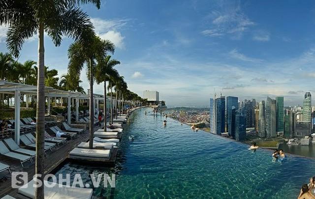Hồ bơi trên trời tại Singapore