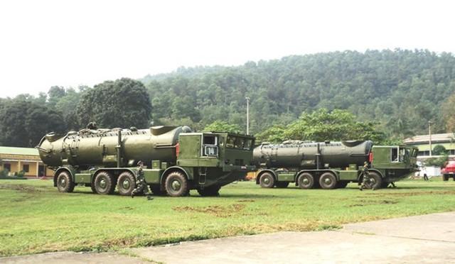 Xe mang phóng tự hành thuộc hệ thống Redut của Lữ đoàn 679. Ảnh: Quân đội nhân dân