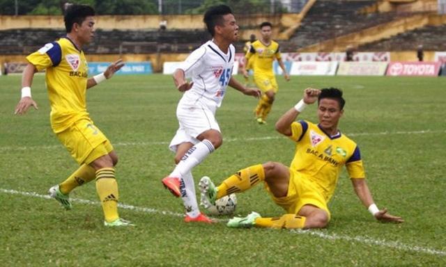 Anh Khoa không phải cầu thủ Đà Nẵng đầu tiên chịu đau đớn nặng vì SLNA.