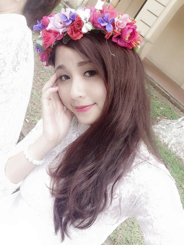 Con gái đầu lòng của nữ diễn viên Thanh Tú - cô hàng cháo lòng của gặp nhau cuối tuần - sở hữu gương mặt xinh xắn, dễ thương không hề thua kém các hot girl Việt.