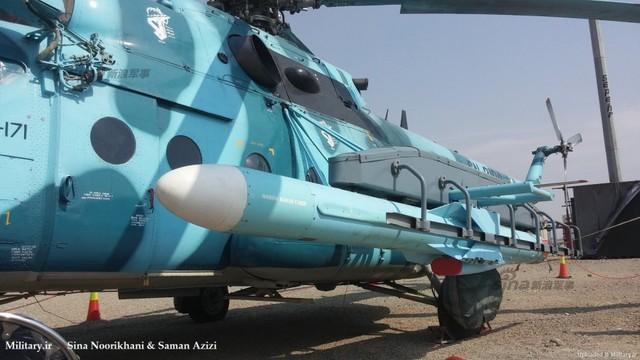 Cụ thể, trực thăng Mi-171 của Iran đã được nâng cấp với khả năng mang theo 2 tên lửa chống hạm C-802 (biến thể không đối hải) do Trung Quốc sản xuất hoặc Noor (phiên bản C-802 nội địa) do Iran chế tạo trong nước theo giấy phép.