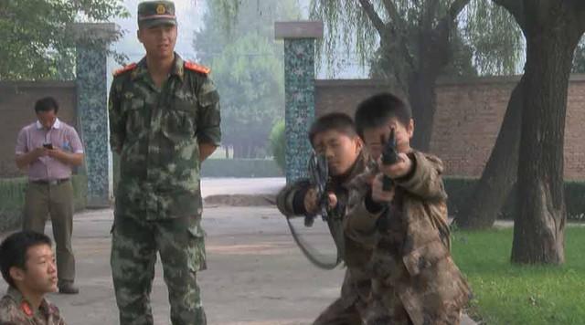 Các bậc phụ huynh hy vọng con cái họ sẽ rèn luyện được nhân cách và xây dựng tính độc lập thông qua khóa huấn luyện này, ông Jiang nói.
