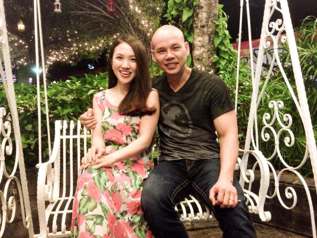 Nhiều người nhận xét 2 vợ chồng Phan Đình Tùng sở hữu nụ cười rất giống nhau.