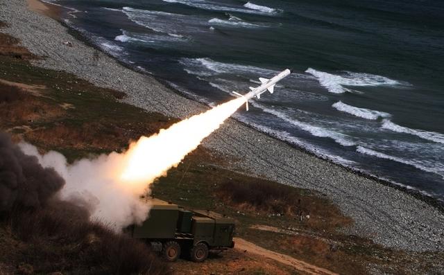Theo giới thiệu của Nga, Bal-E là hệ thống tên lửa phòng thủ bờ biển cơ động, có khả năng tấn công bất ngờ và ồ ạt vào các tàu địch, thay đổi trận địa trong khoảng thời gian ngắn, rồi lại sẵn sàng thực hiện cuộc tấn công mạnh mẽ tiếp theo.