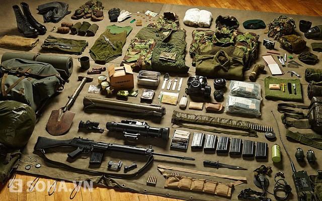 Trang bị của Thủy quân lục chiến Hoàng gia Anh trong cuộc chiến Falklands năm 1982.