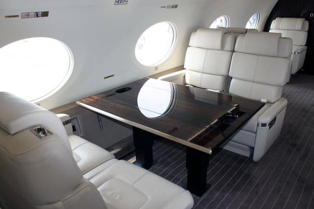 Đây là các phòng trên máy bay đủ dành cho tám hành khách và 4 phi hành đoàn. Thậm chí, còn có không gian riêng cho các hành khách và phi hành đoàn để tránh làm ảnh hưởng tới nhau.