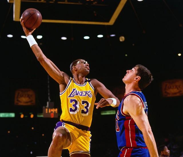 Kareem Abdul Jabbar là một huyền thoại trong làng bóng rổ thế giới.