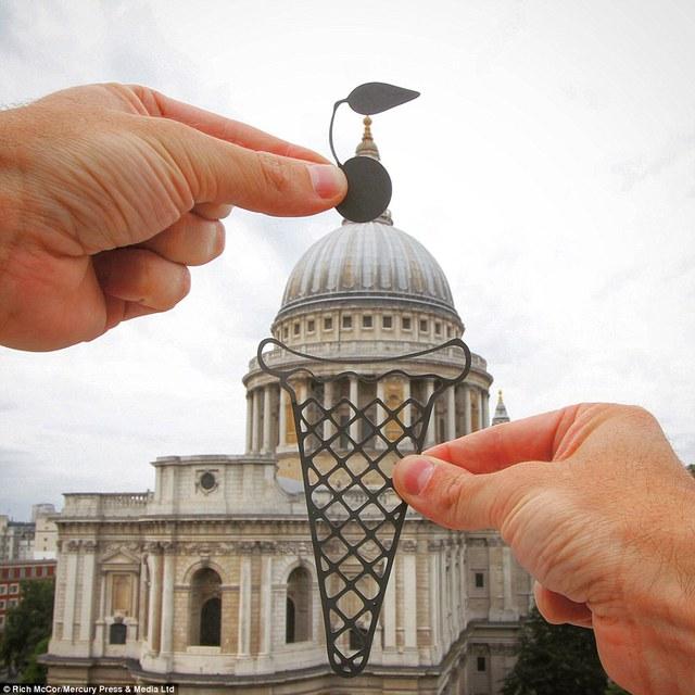 Nhà thờ St Paul biến thành chiếc kem.
