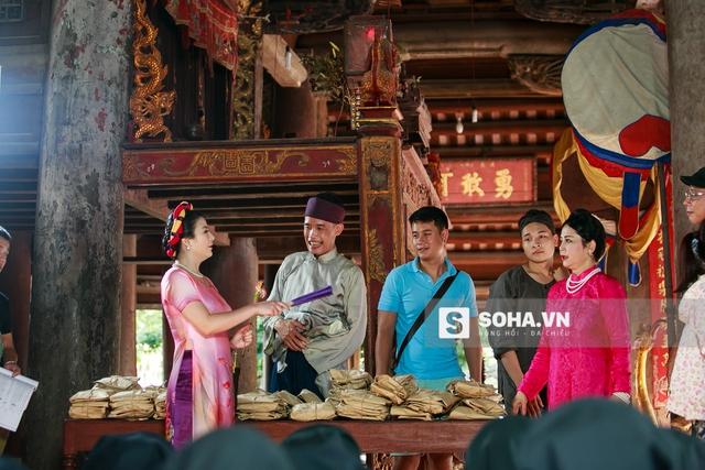 Trong phim hài Tết này, ngoài Hiệp Gà, còn có sự tham gia của Kim Oanh và Minh Hằng.