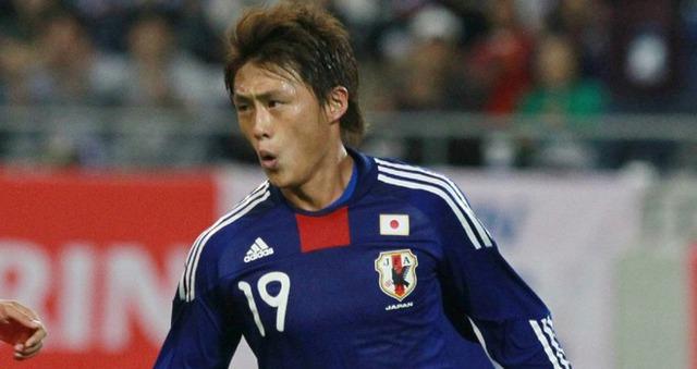Tadanari Lee, cầu thủ Nhật gốc Hàn Quốc cũng bị phân biệt chủng tộc.