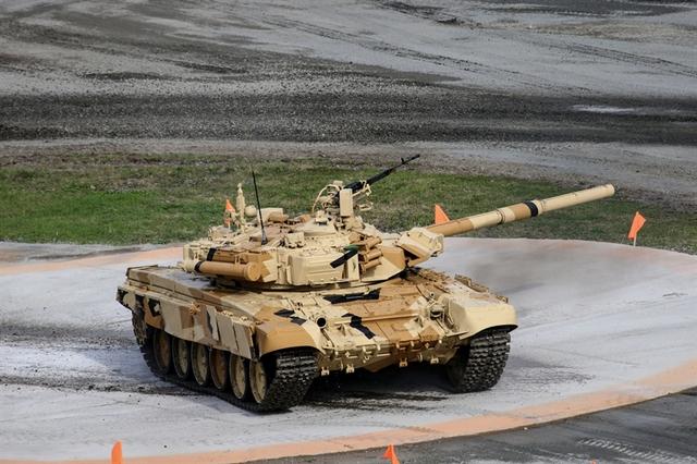 Hiện tại, trong biên chế Lục quân Nga, T-90S là loại xe tăng chiến đấu chủ lực hiện đại nhất.
