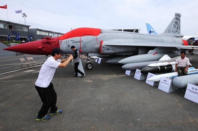 Máy bay chiến đấu JF-17 Thunder do liên doanh Pakistan-Trung Quốc chế tạo.
