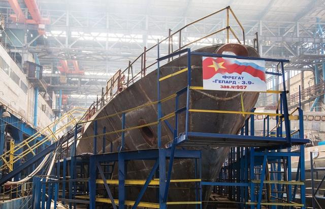 Hình ảnh cặp tàu Gepard thứ 2 của Hải quân Nhân dân Việt Nam đang được đóng tại nhà máy Zelenodolsk.