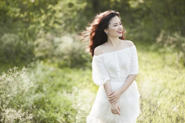 """Chia sẻ về lựa chọn của mình, Dương Hoàng Yến cho biết, trong quá trình hoạt động tại Sài Gòn và tham gia thi Cặp đôi hoàn hảo"""" cô cũng nhiều lần được gợi ý về các scandal để nổi tiếng hơn."""