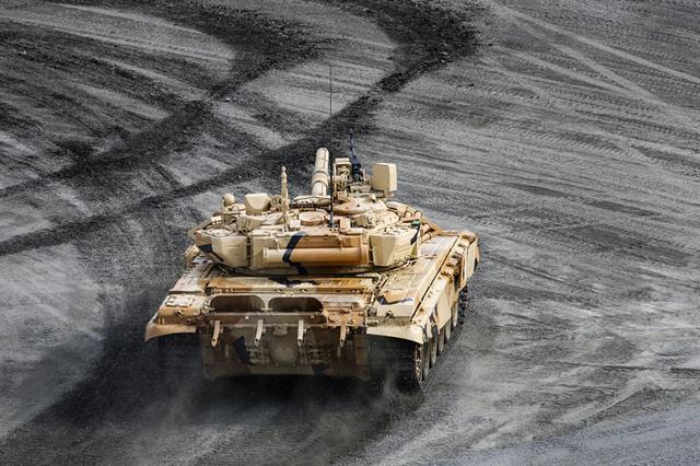 Trên thực tế, T-90S được hiện đại hóa sâu từ xe tăng huyền thoại T-72.