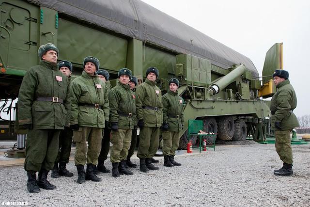 Phiên bản đặt trong hầm phóng được đưa vào biên chế từ năm 2000. Nó được thiết kế để thực hiện các cuộc tấn công hạt nhân vào lãnh thổ của đối phương, vượt qua mọi hệ thống phòng thủ cả ở hiện tại và tương lai.