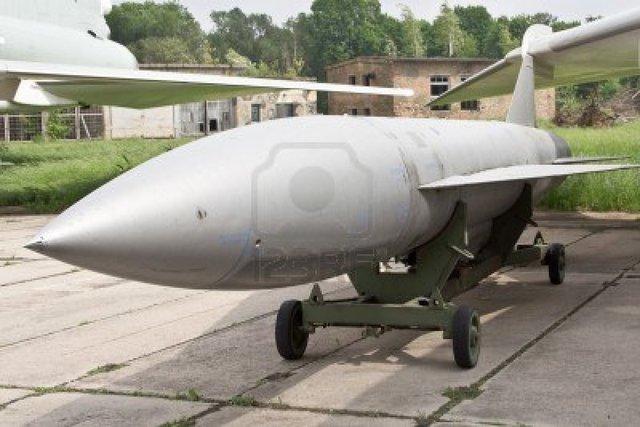 Độ tinh vi của thiết kế giúp tên lửa có thể thích hợp với các vai trò khác nhau, và một phiên bản mang đầu đạn hạt nhân đã được phát triển trước biến thể trang bị đầu đạn thông thường.