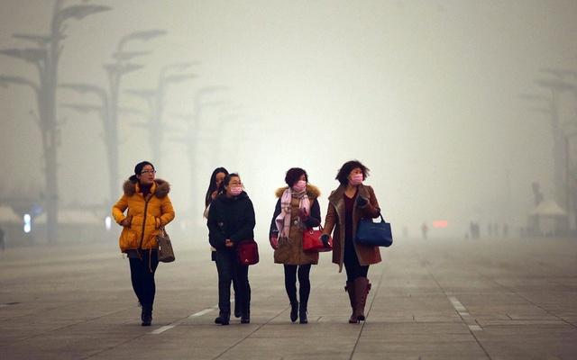 Người dân Bắc Kinh phải sống chung với ác mộng khói bụi này hàng ngày.