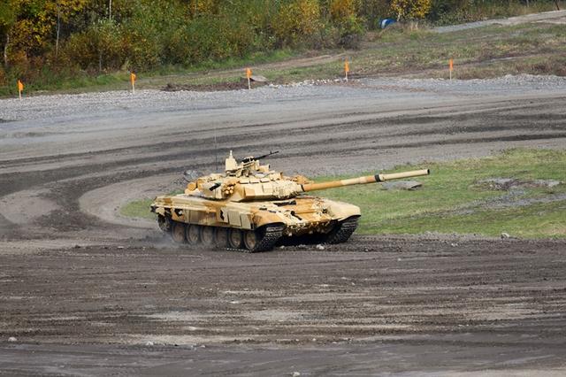 Chính vì vậy, T-90S nhanh chóng trở thành lực lượng xe tăng nòng cốt trong Binh chủng Tăng thiết giáp Nga hiện nay.