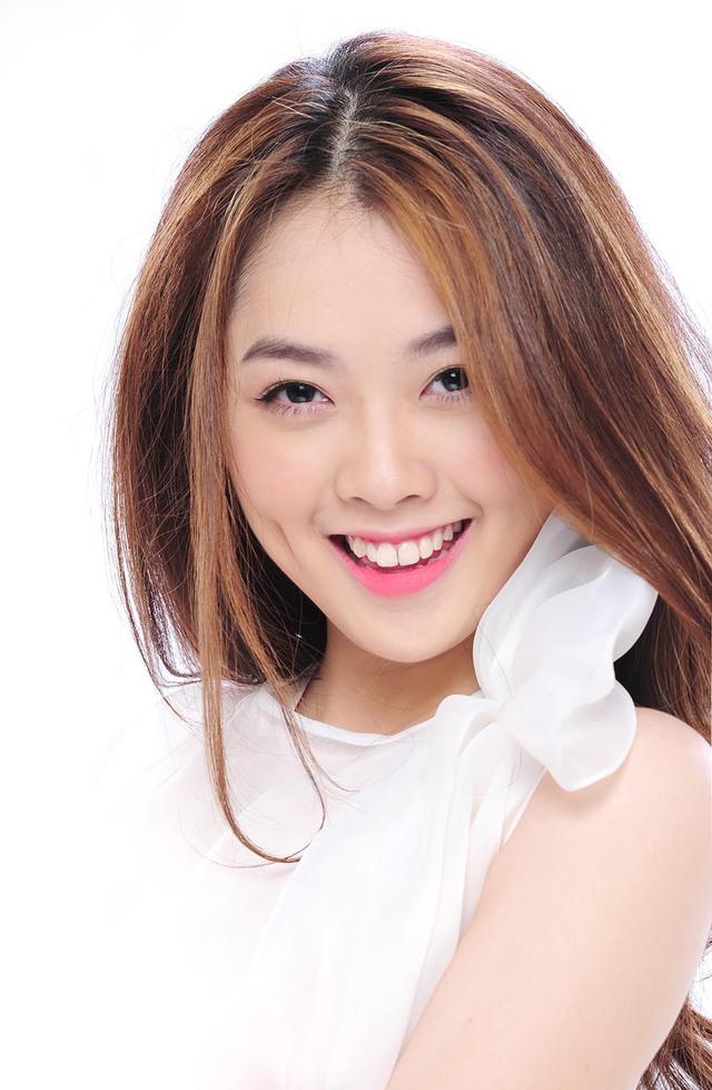 Thời gian gần đây, thí sinh nhỏ tuổi nhất Vietnam Idol 2015 cũng chăm chỉ giảm cân để có được ngoại hình rạng rỡ như mong muốn.
