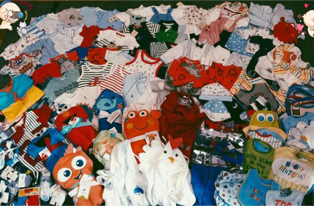 Những bộ quần áo xinh xắn đủ màu sắc, kiểu dáng dành cho cậu con trai đầu lòng của Tâm Tít