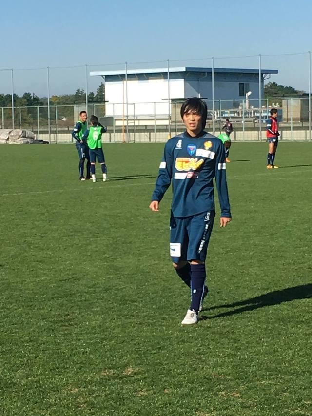 Tiền vệ Tuấn Anh phải bước vào những bài sát hạch khắt khe ở Yokohama FC, trước khi được xét ký kết hợp đồng chính thức.