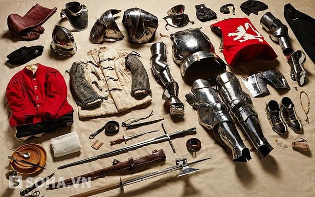 Trang bị của các binh sĩ York tại trận Bosworth năm 1485 giữa xứ York và xứ Lancaster, trong Cuộc chiến Hoa hồng (Wars of Roses) giành ngai vàng Anh Quốc.