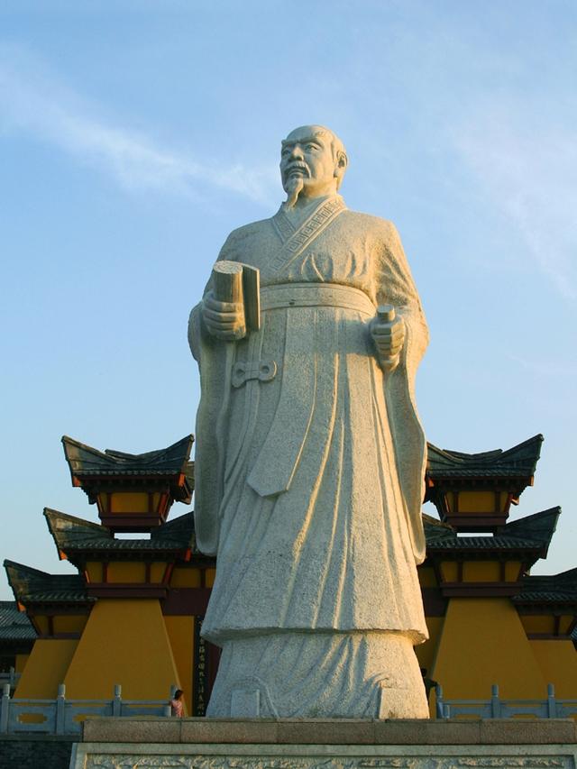 Tần Mục Công chỉ được thừa nhận là một trong Xuân Thu ngũ bá sau khi ông qua đời.