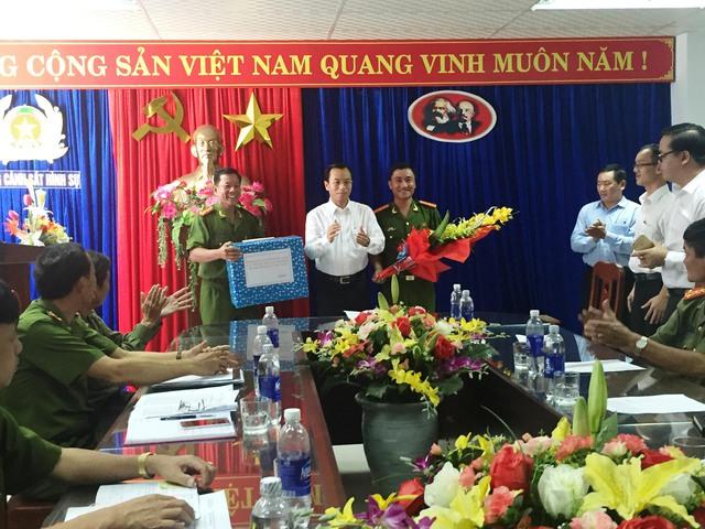 Được Bí thư Thành ủy Đà Nẵng thưởng nóng vì phá vụ cướp ...