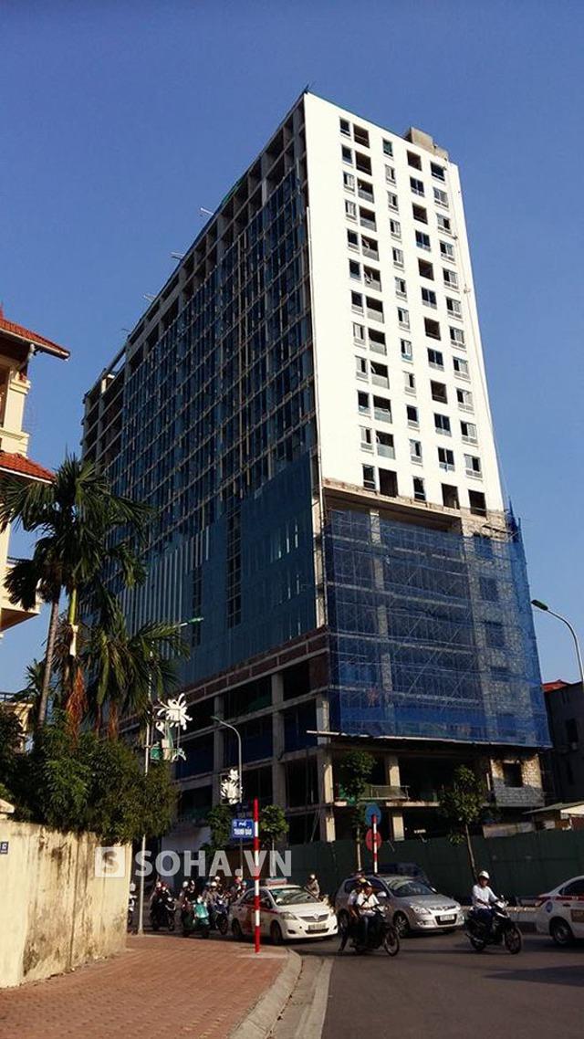Tòa nhà số 8B Lê Trực.