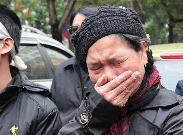 Bà Nguyễn Thị Hiền trong phiên xử sơ thẩm vụ án liên quan đến cái chết của con gái hồi cuối năm 2014.