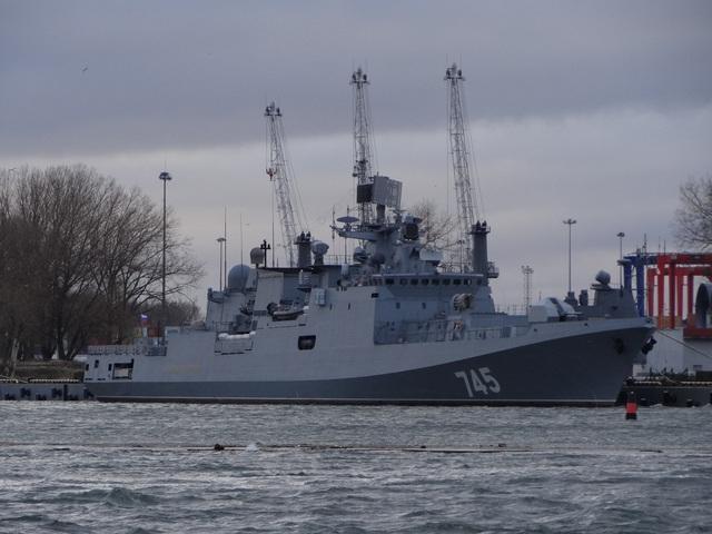 Khinh hạm Admiral Grigorovich thuộc đề án 11356.