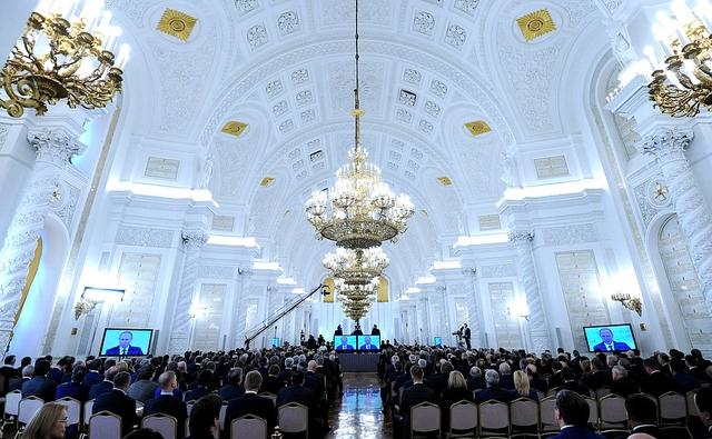 >>> Điểm khác biệt kì lạ trong Thông điệp Liên bang 2015 của Putin