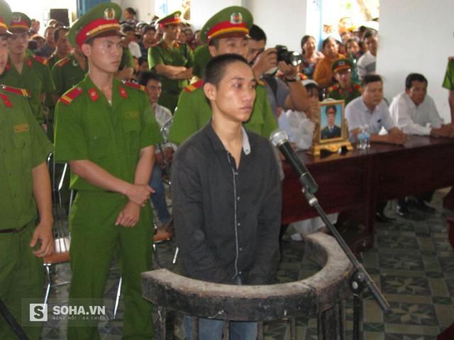 Bị cáo Nguyễn Văn Thái trước vành móng ngựa