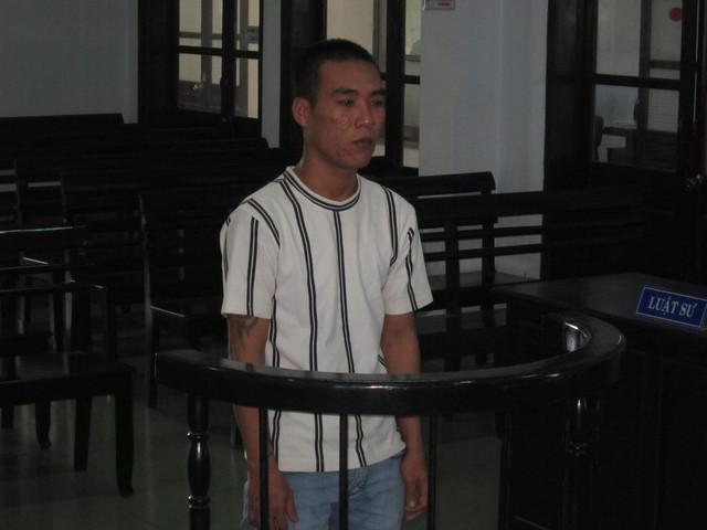 Bị cáo Nguyễn Văn Trung trước vành móng ngựa.
