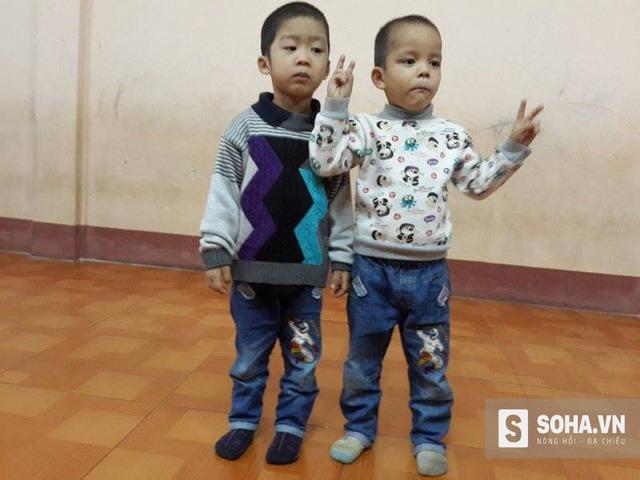 Hai bé trai Việt và Nam