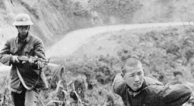 Một người lính Trung Quốc bị bắt làm tù binh (Ảnh tư liệu)