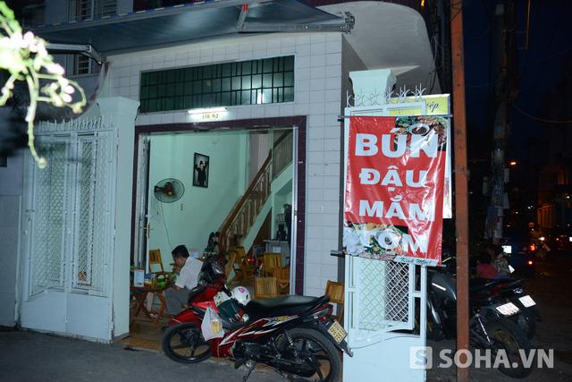 8h, Đông Hùng di chuyển về nhà trọ ở trong con ngõ thuộc đường Bạch Đằng. Đây là nơi trước đó anh sống cùng mẹ, còn bây giờ đã có thêm em trai. Vì tương lai của em, Đông Hùng đã quyết định đưa em vào Sài Gòn sinh sống và học tập.