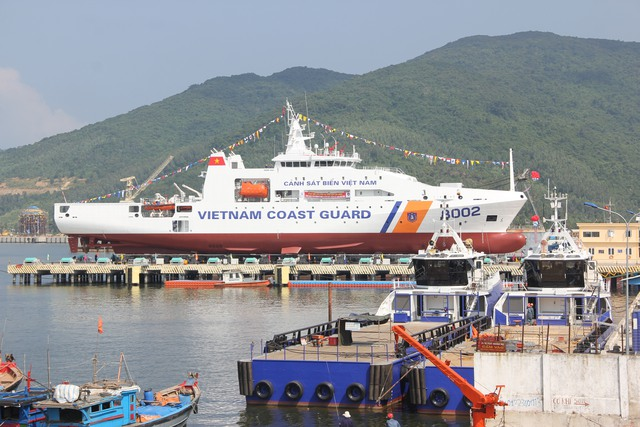 Tàu Cảnh sát biển 8002, 1 trong 2 tàu lớn và hiện đại nhất hiện nay của lực lượng Cảnh sát biển Việt Nam.