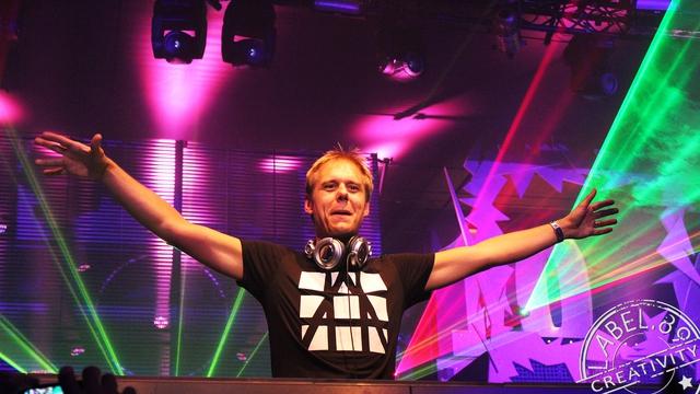 Rất nhiều fan hâm mộ đang trông chờ đêm nhạc sắp tới của Armin.