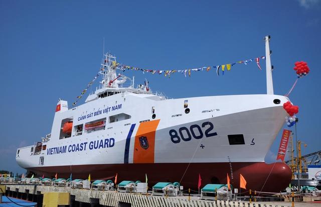 Tàu CSB 8002 do Tổng công ty Sông Thu (Tổng cục Công nghiệp quốc phòng) đóng mới cho Bộ tư lệnh Cảnh sát biển.