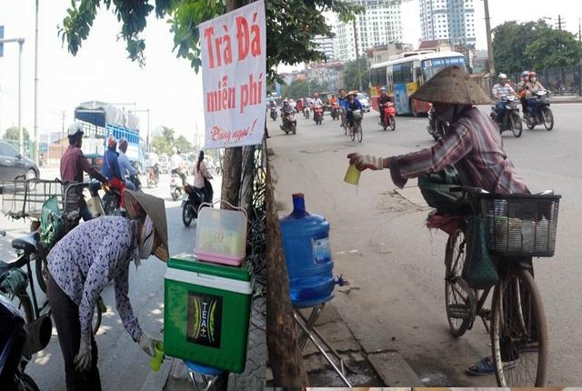 Công an phường đã trả lại bình nước miễn phí cho người dân