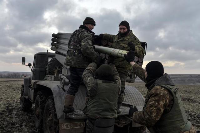 Việc các chỉ huy quân đội chính phủ Ukraine phản ứng quá chậm là một trong những nguyên nhân chính dẫn đến việc Debaltseve rơi vào tay lực lượng ly khai.