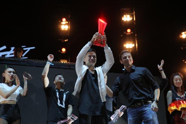 Cuối chương trình, ban tổ chức công bố trao giải quán quân cuộc thi DJ chuyên nghiệp cho DJ Get Looze. Anh đã xuất sắc vượt qua 11 đối thủ khác để chiến thắng tại cuộc thi này.